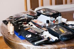 makeup-792129_640
